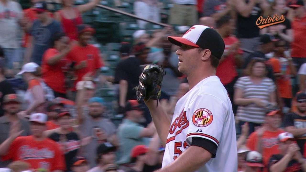 Britton earns the save