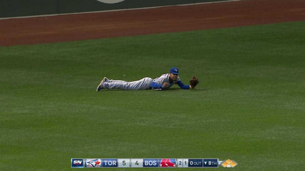 Pompey makes diving catch