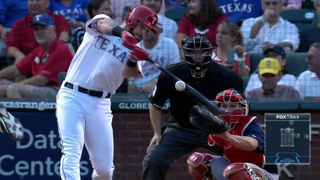 Hamilton hits 2 HRs as Rangers top Red Sox