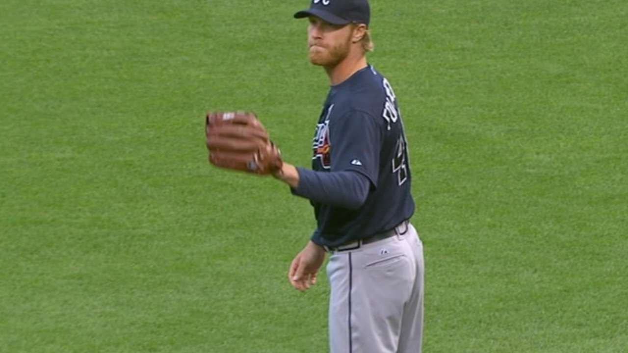 Foltynewicz rejoins Braves in relief role