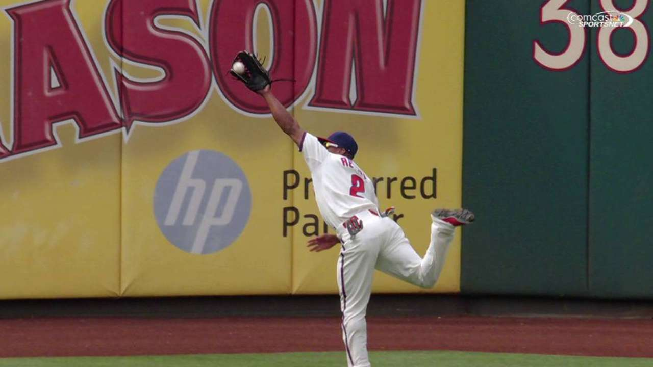 Revere's running catch