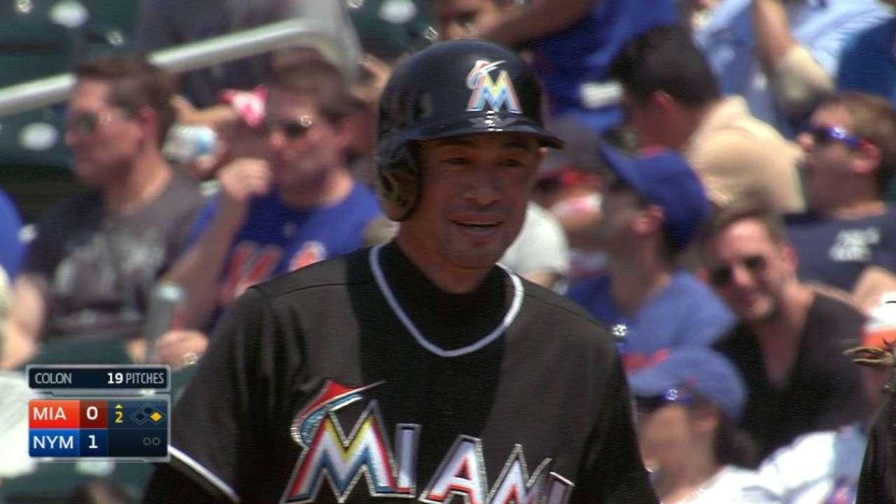 Ichiro ties Vizquel