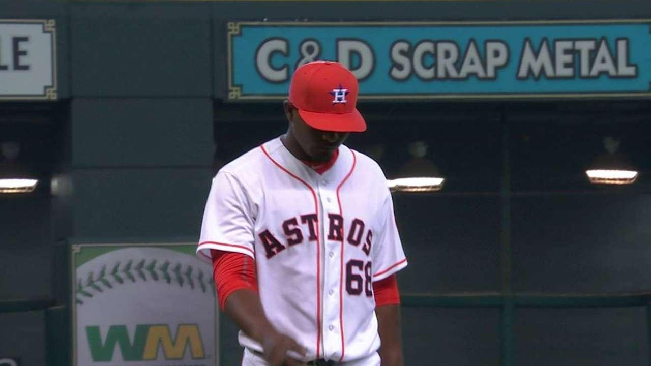 Birthday surprise: Feliz called up to Astros