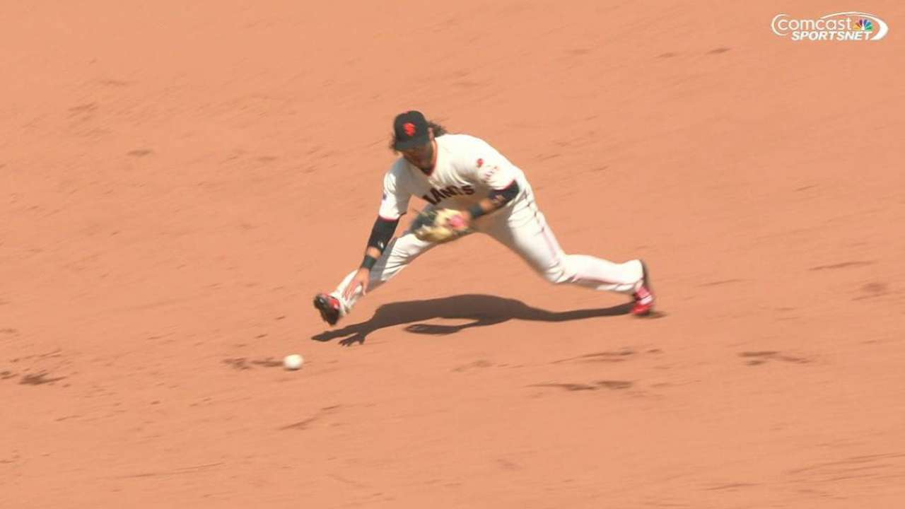 Crawford's flub costly in Giants' loss
