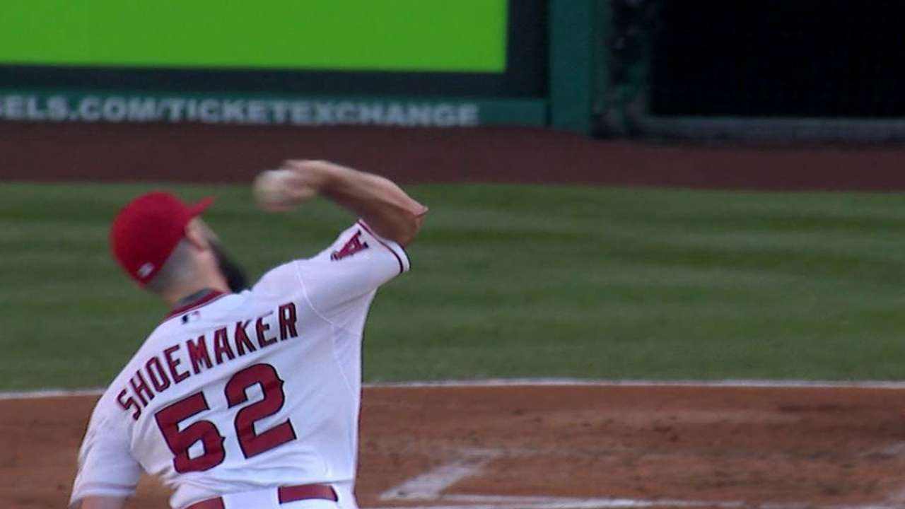 Shoemaker strikes out Miggy