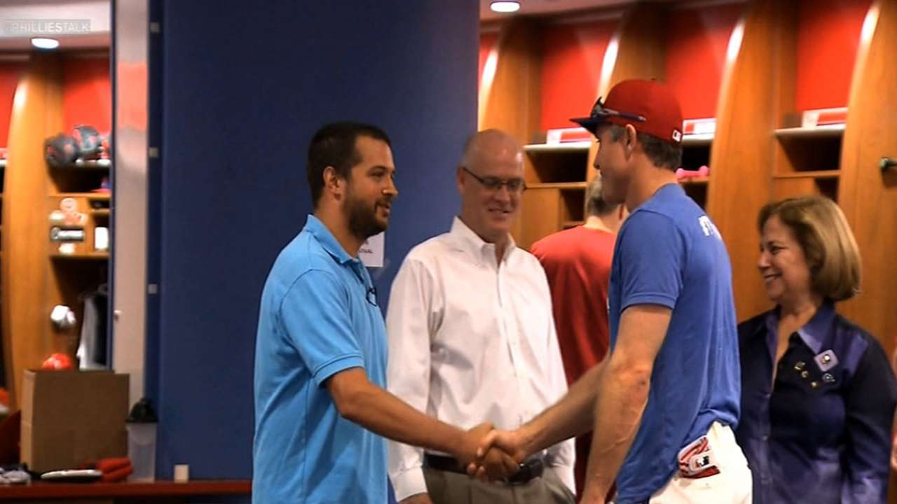 Phillies players, staff team up to fight ALS