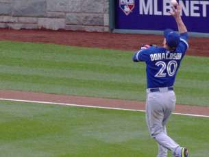 TOR@WSH: Donaldson barehands high chopper for the out