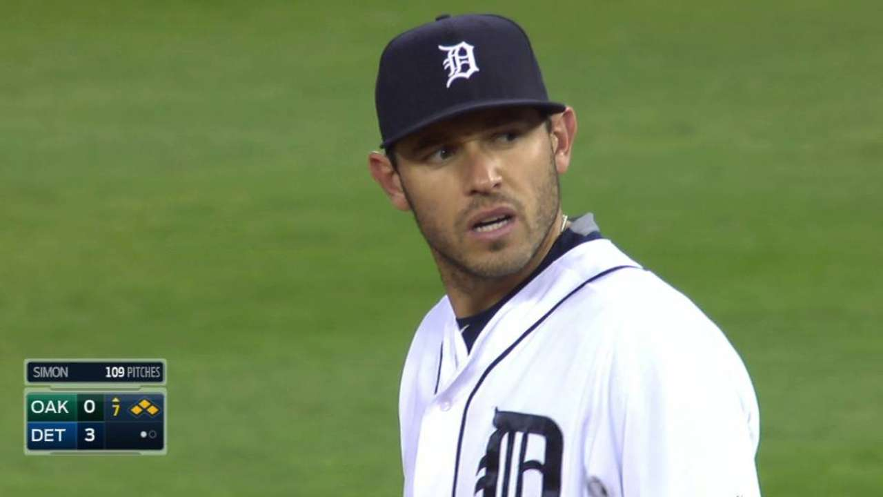 Kinsler's gut-reaction throw proves costly