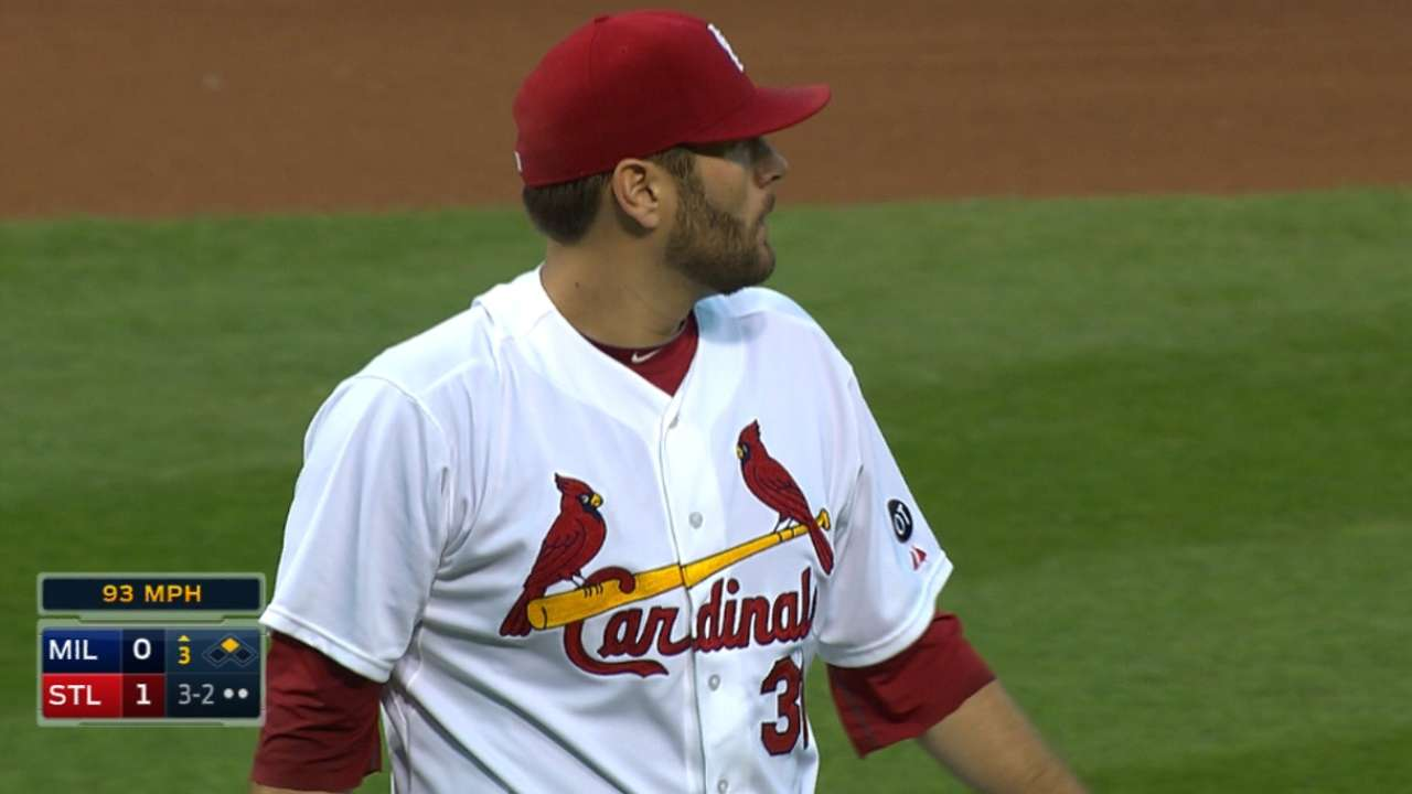 Lynn pitches 7 2/3 strong in win