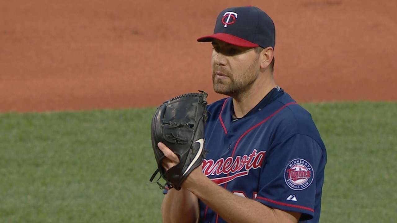 Pelfrey holds Red Sox to one run