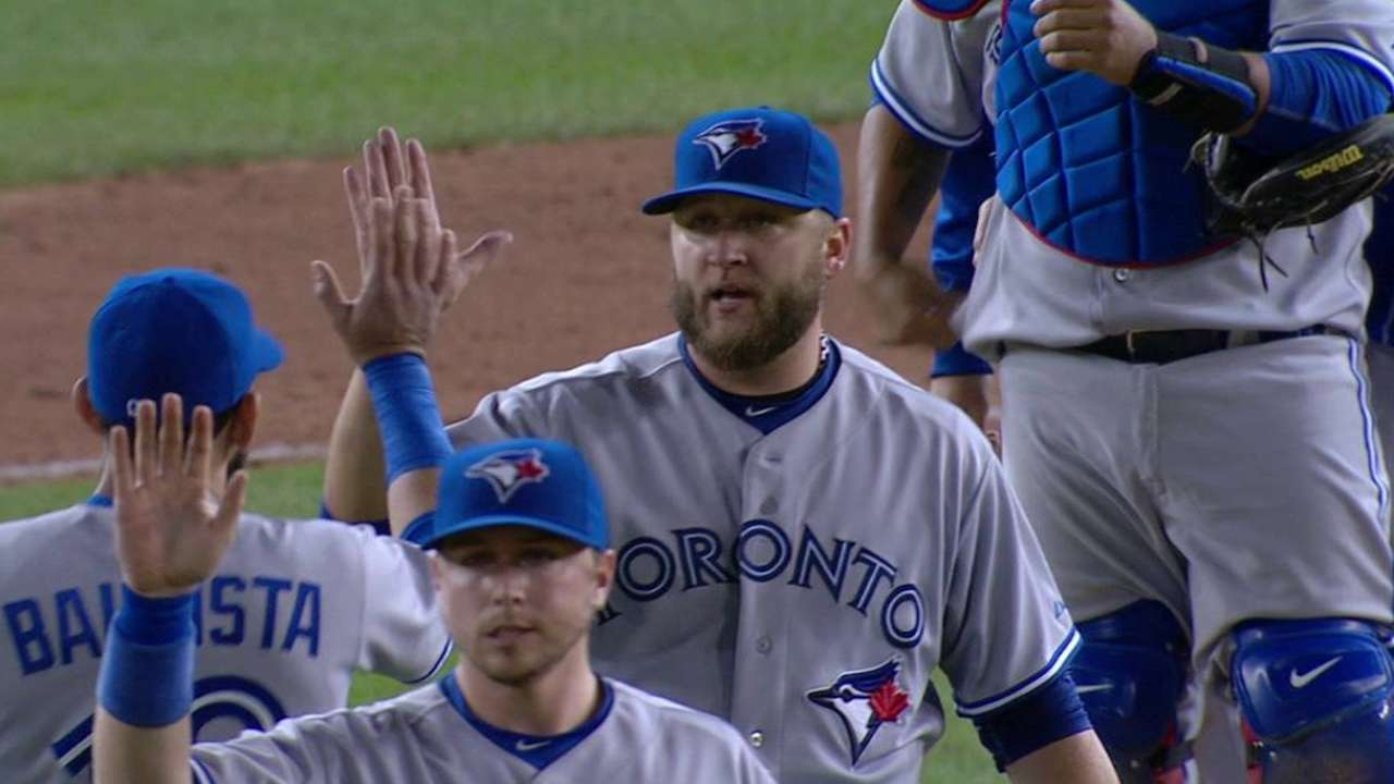 Buehrle notches shutout