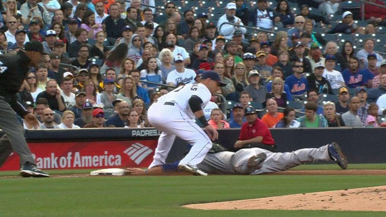 Kemp turns a double play
