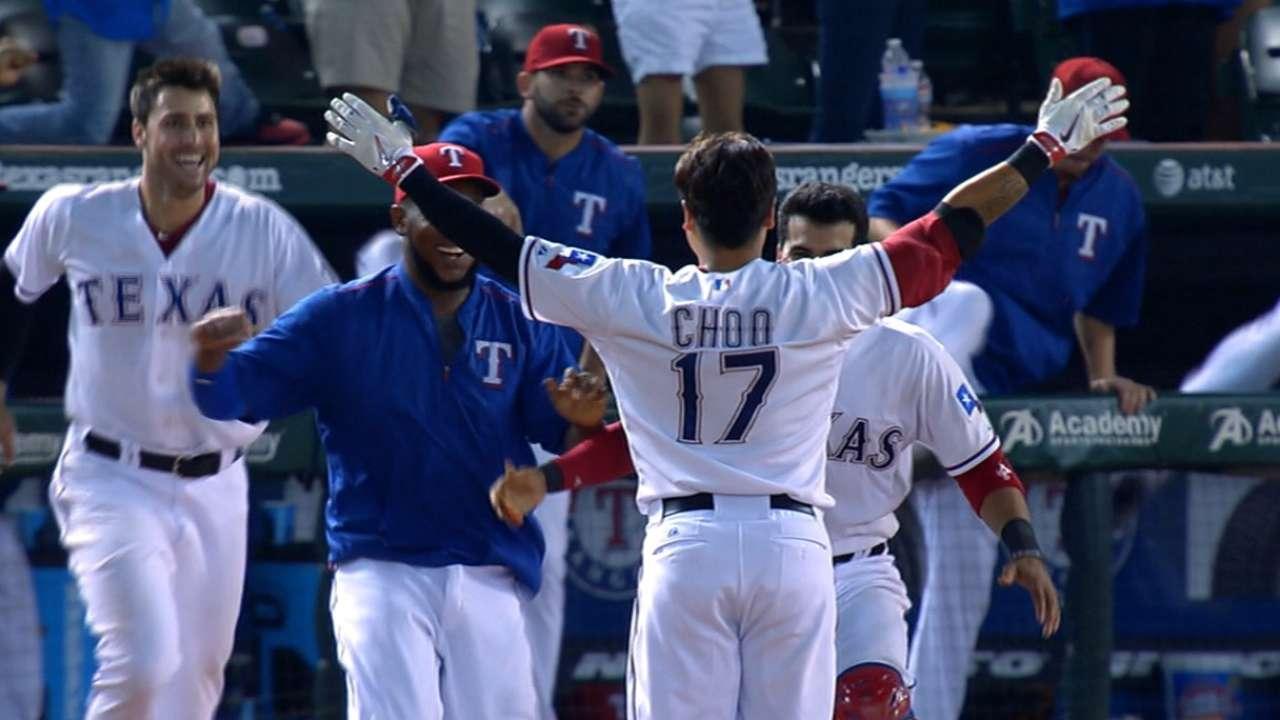 Hit de Choo decide victoria de Rangers en la 11ma