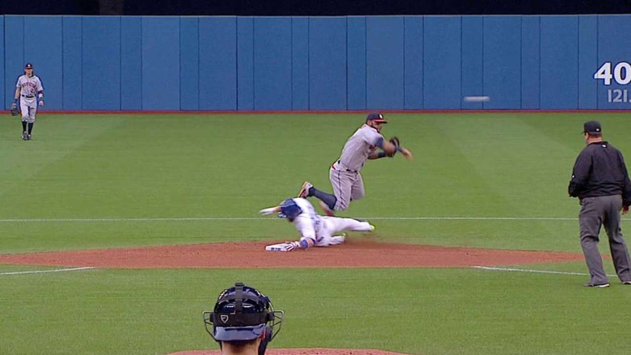Hernandez induces double play
