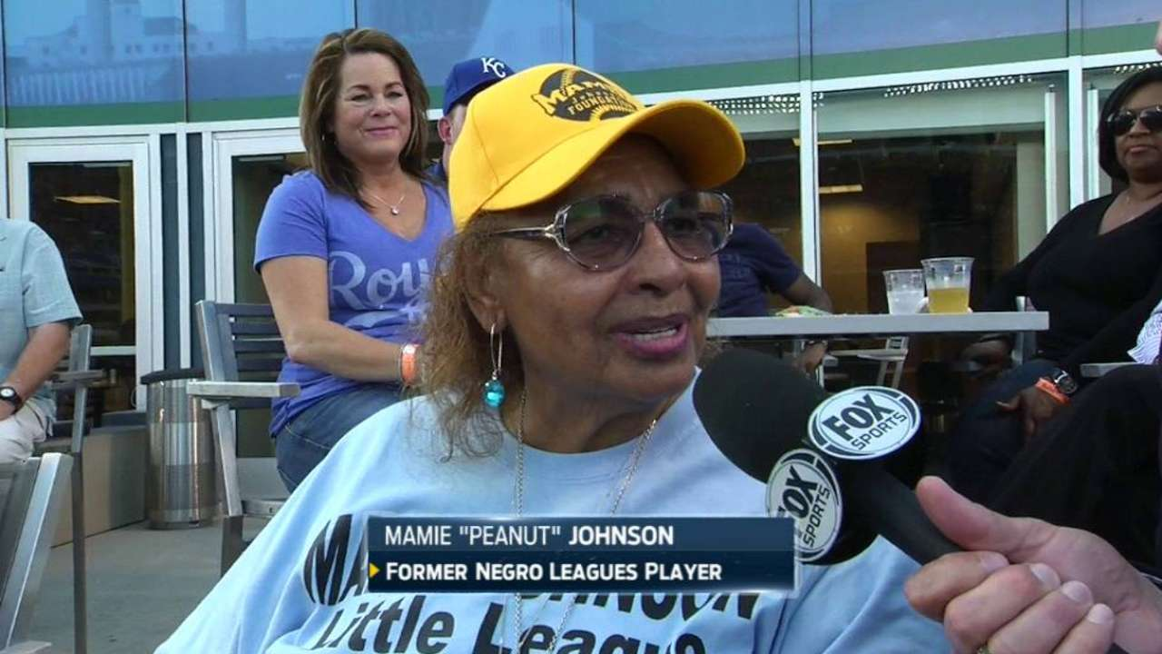 Female Negro Leagues legend set for signing