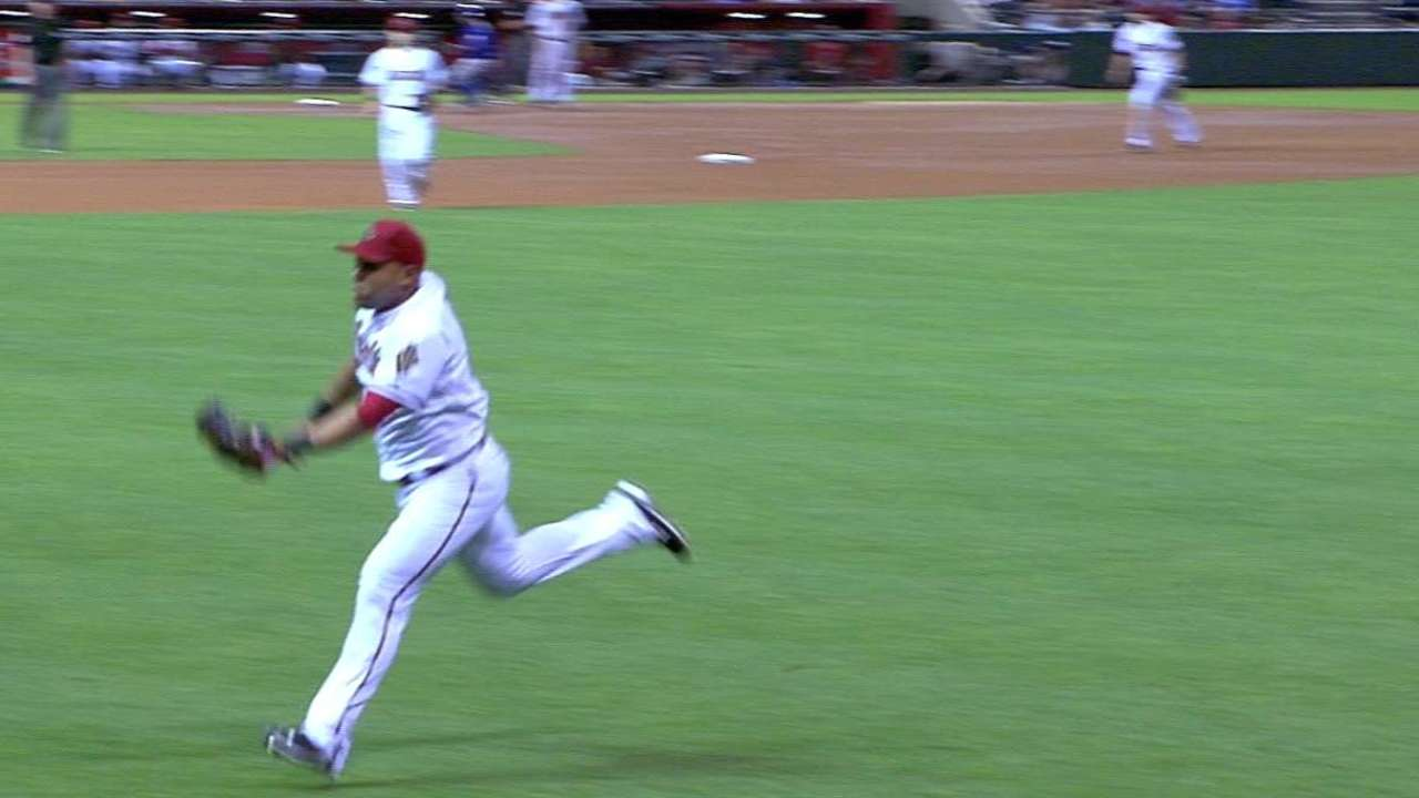 Tomas' running catch