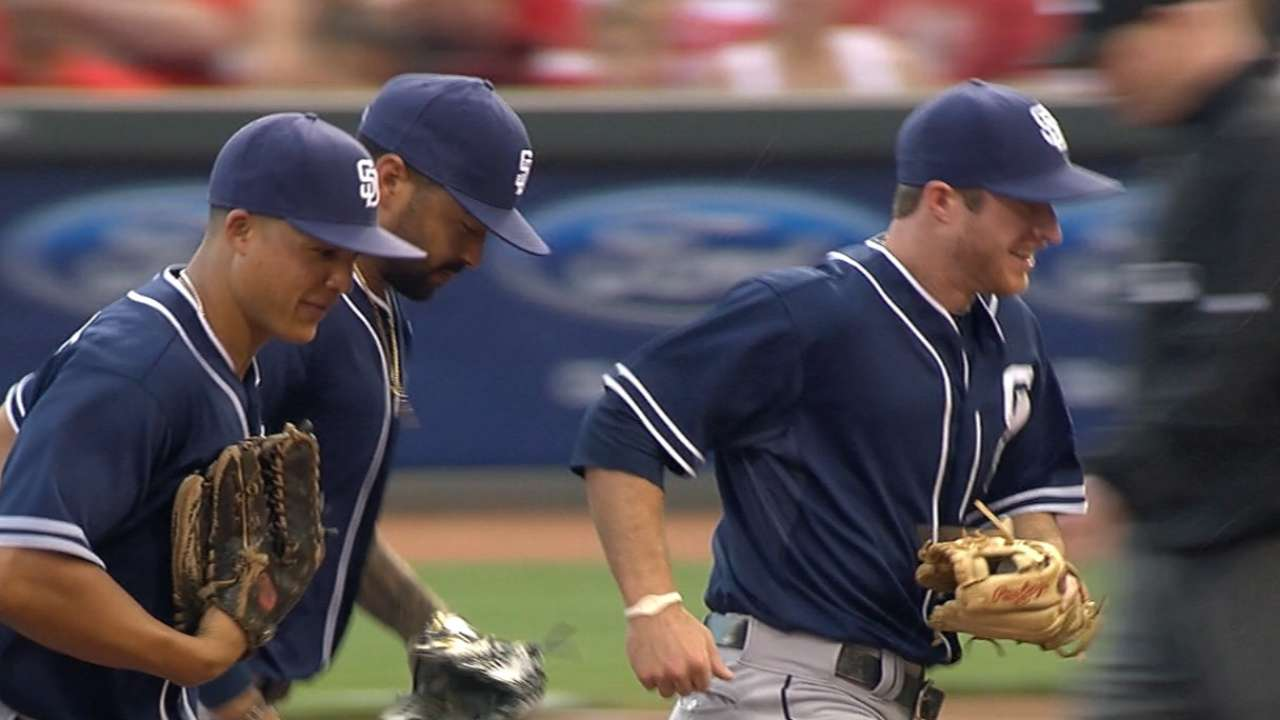 Padres' defense anchors win