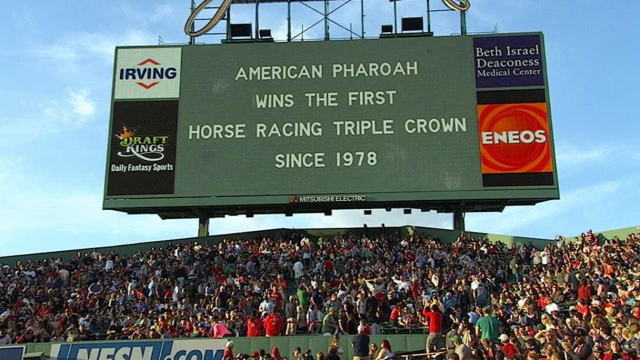 MLB salutes American Pharoah