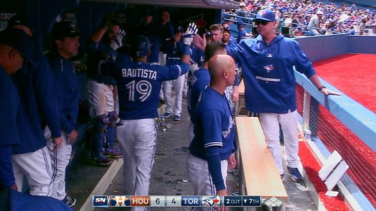 Azulejos arman ataque y barren la serie vs. Astros