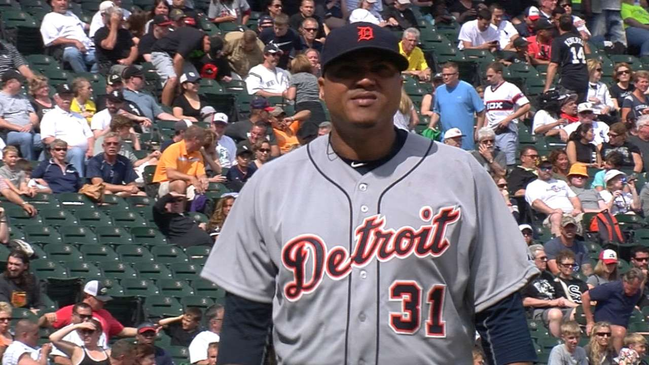 Simon, power rally lift Tigers past White Sox