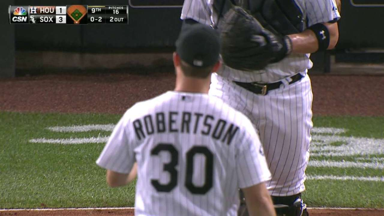 Robertson notches the save