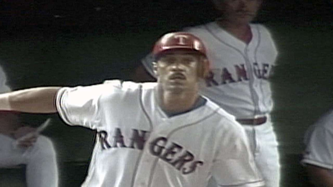 Gonzalez, Russell going into Rangers Hall of Fame