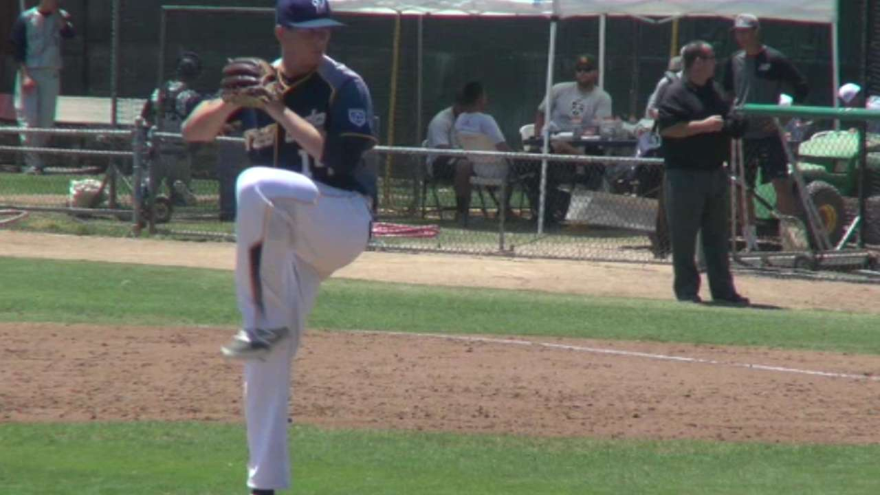 Yanks take Finley to open Day 2 of Draft