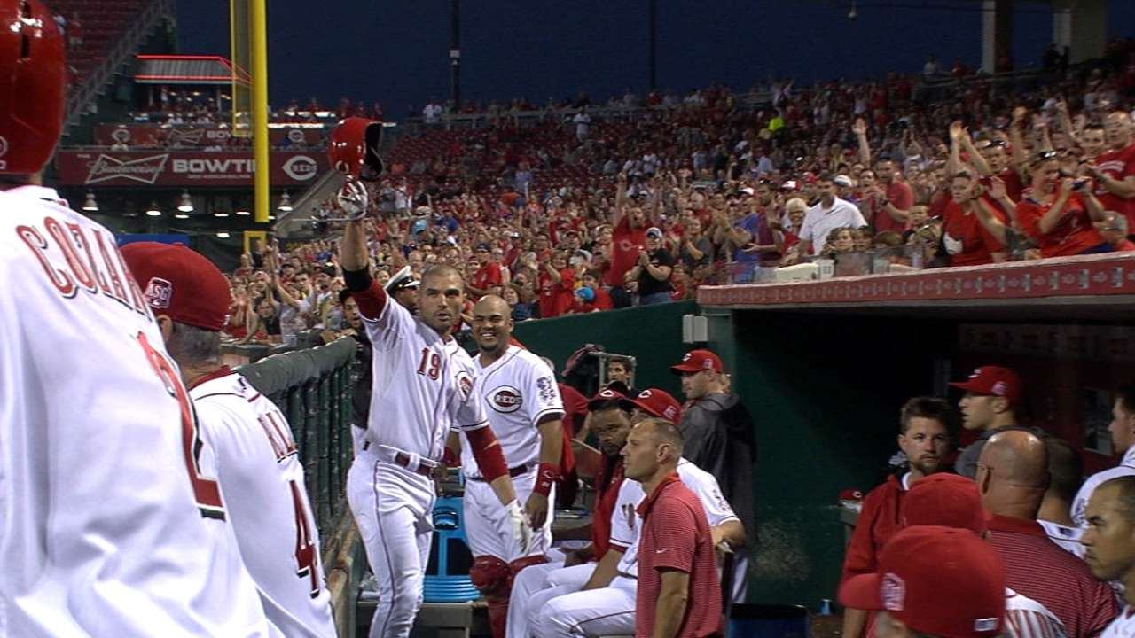 Votto joins Bench in record books with 3 homers