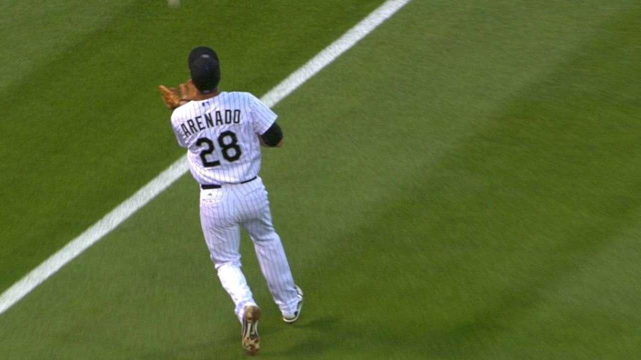 Arenado's impressive catch