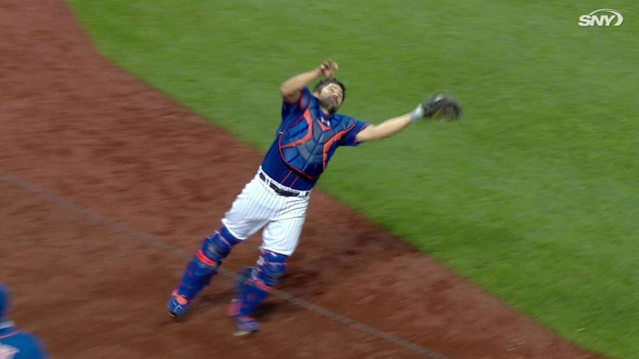 d'Arnaud's tough catch