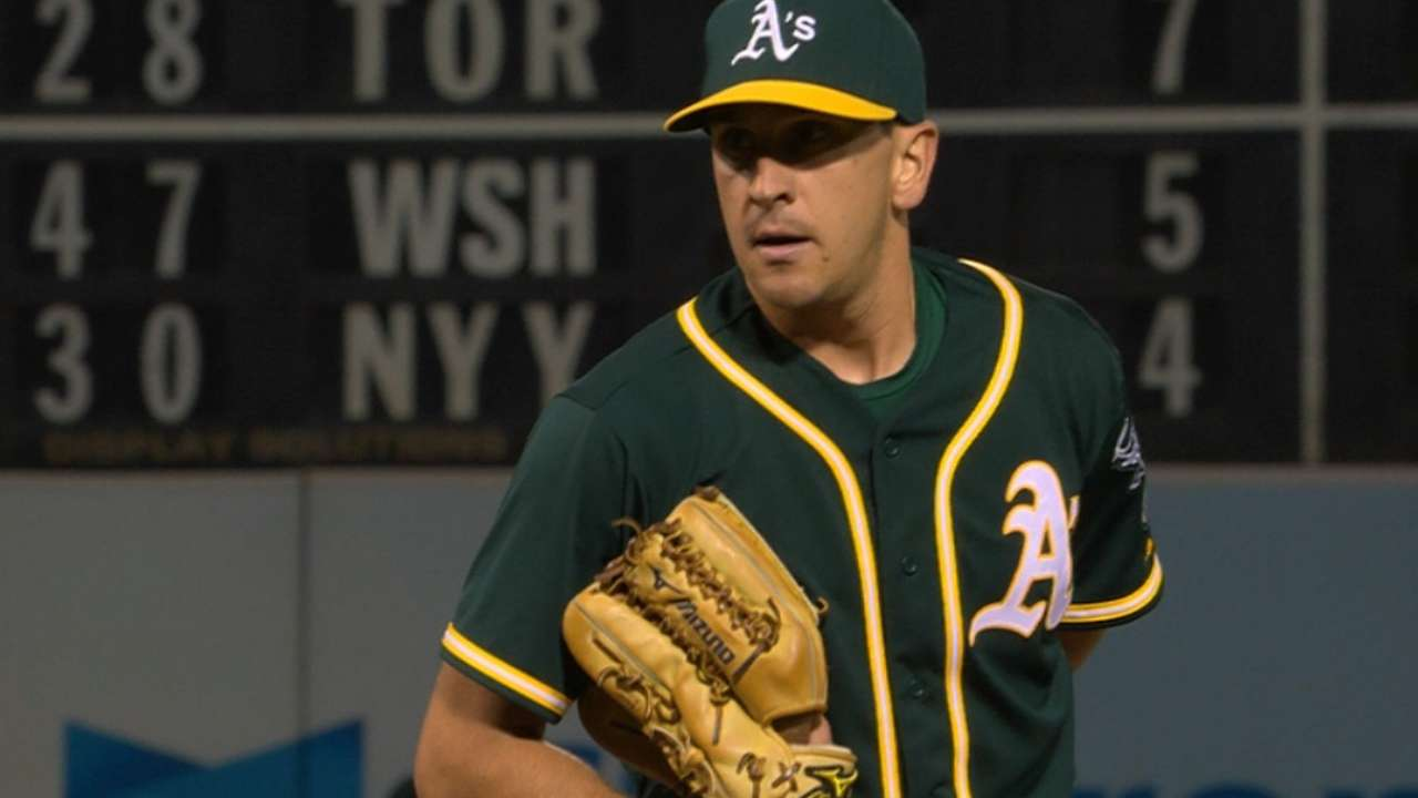 Venditte's scoreless relief