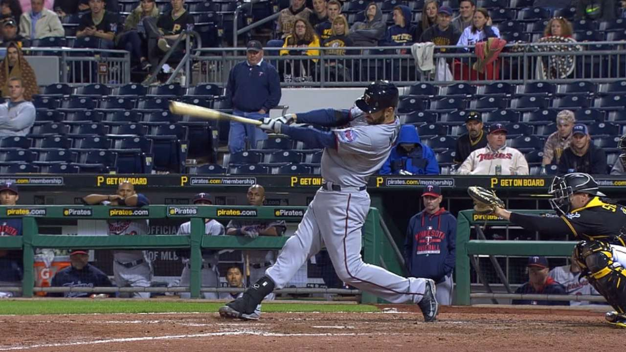 Mauer's 13th-inning homer leads Twins over Bucs