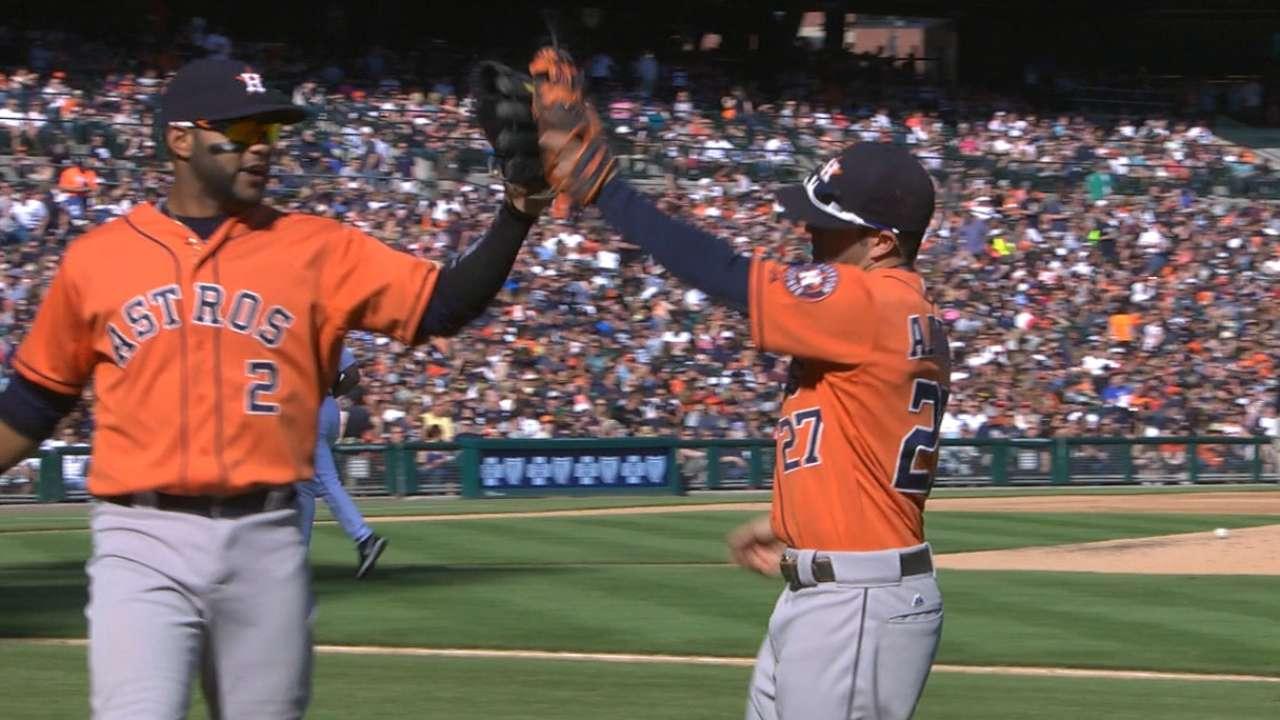 Must C: Astros turn triple play