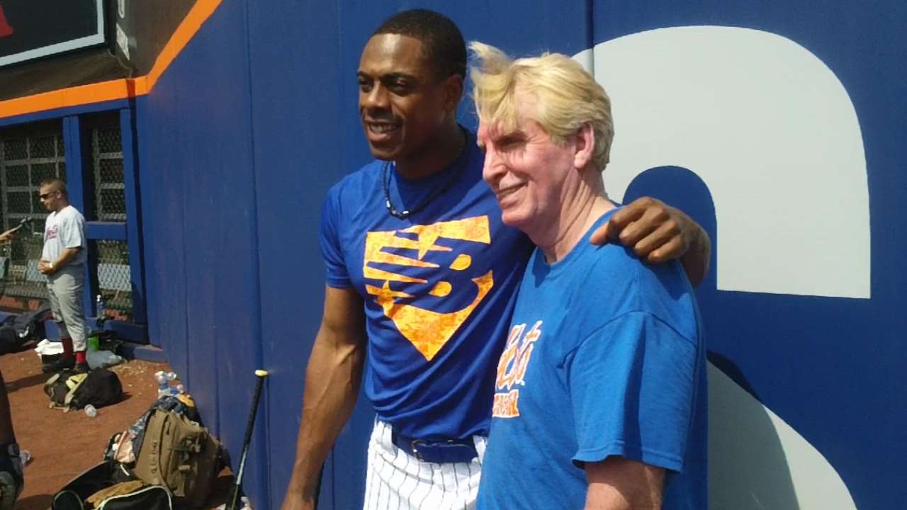 Mets host military members for softball games