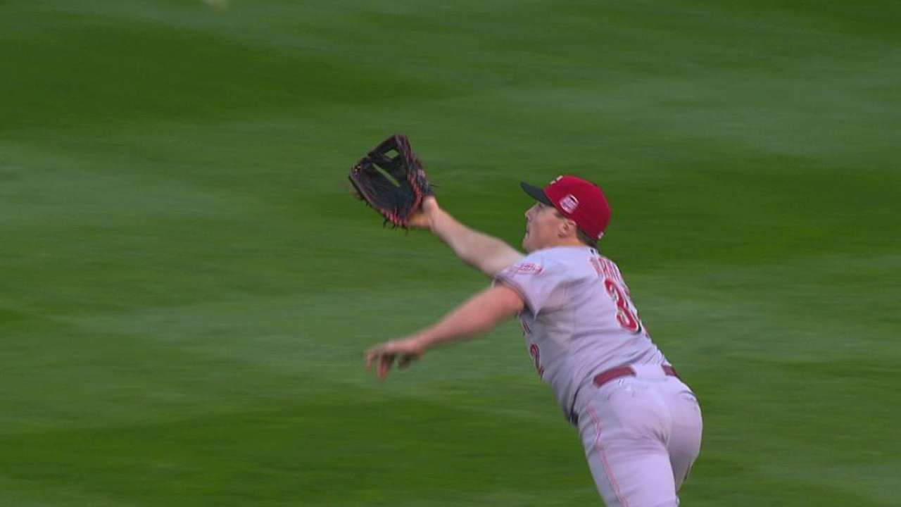 Bruce robs Herrera, saves game for Reds