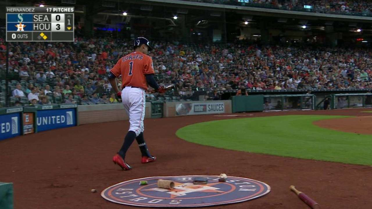 Correa receives standing ovation