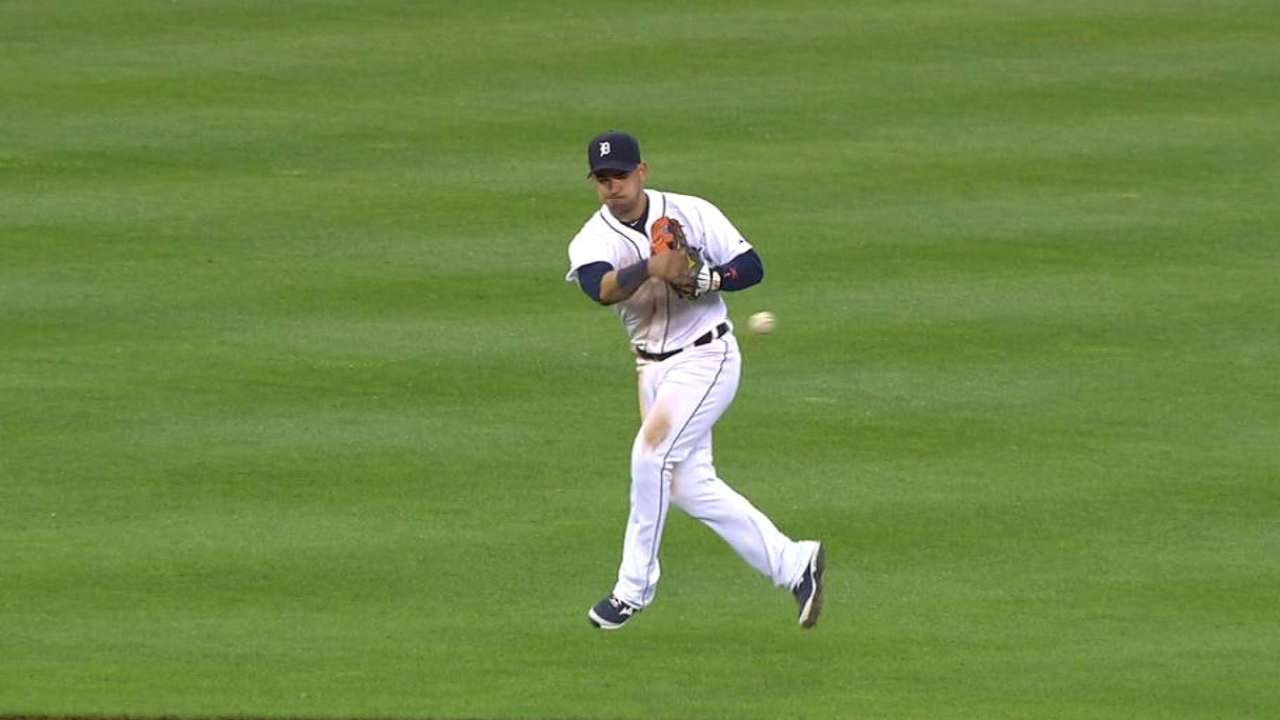 Tigers turn slick double play
