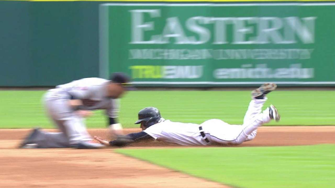 Iglesias safe at second