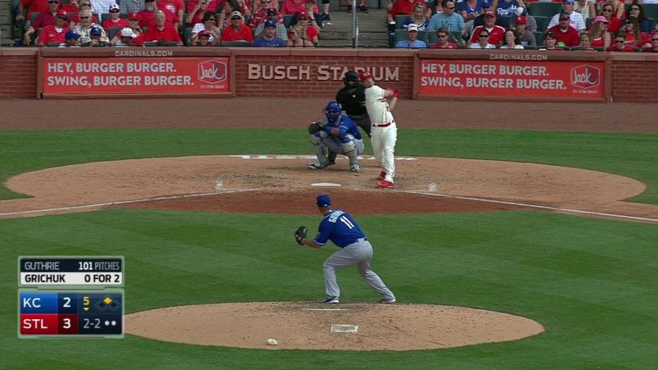 Guthrie recounts missed pitches in loss to Cardinals