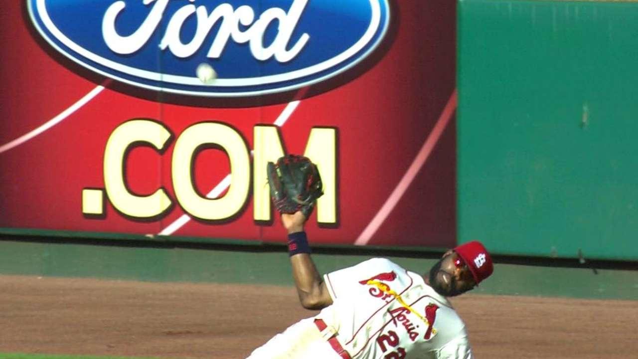 Heyward loses ball in sun, makes game-saving catch