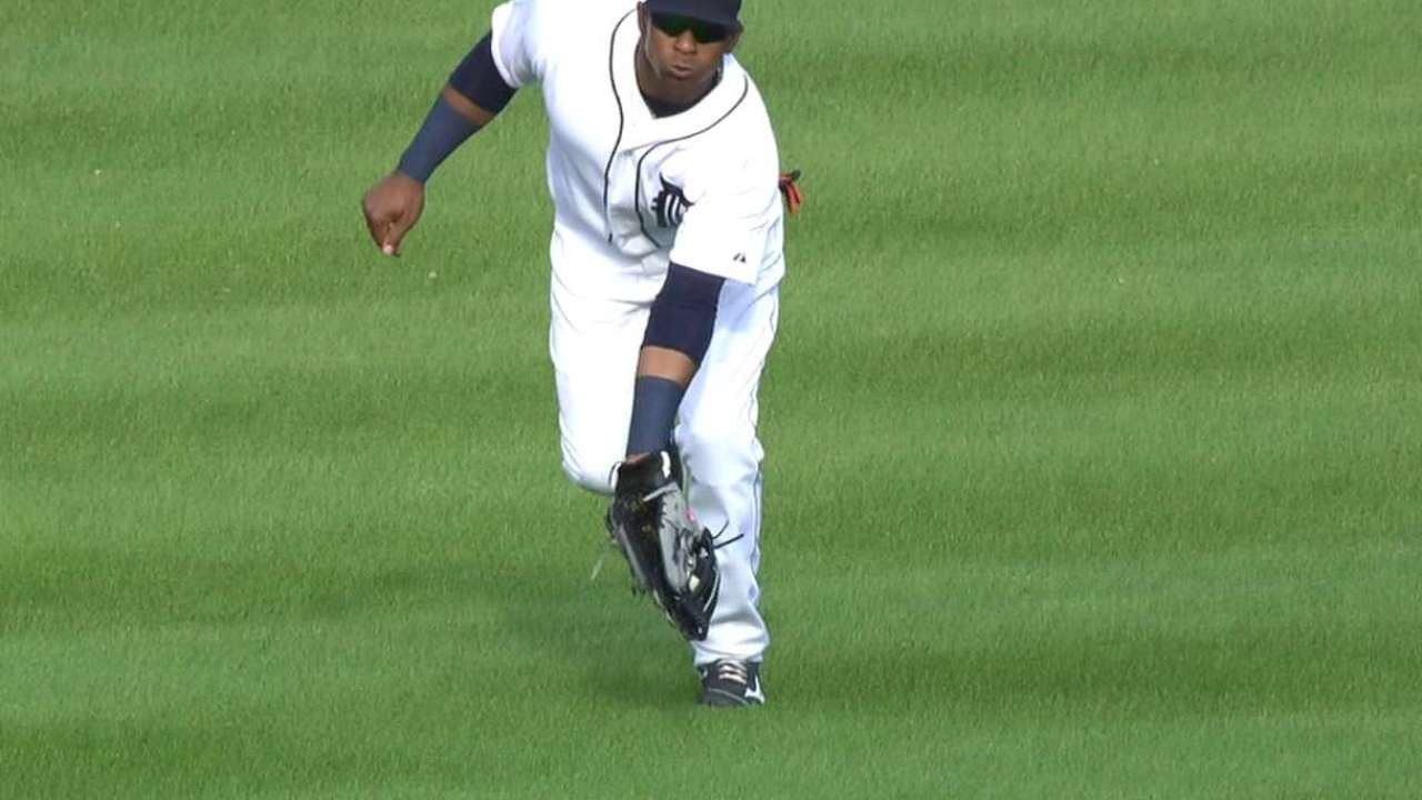 Cespedes starts double play