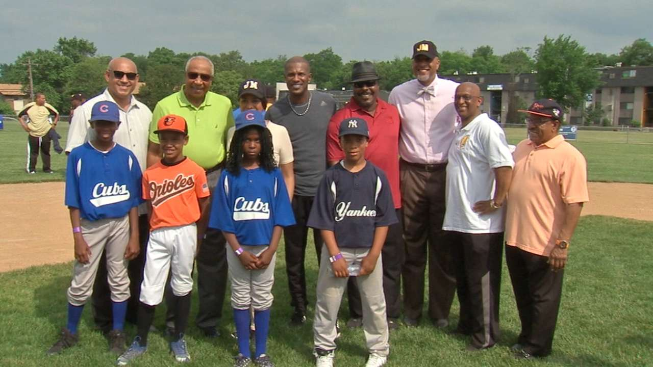 Jones, MLBPA celebrate Mosher Little League