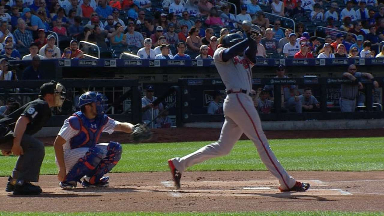 Must C: Freeman's mammoth homer