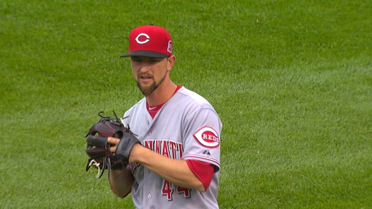 Rain delay bottles up Leake's efficient effort