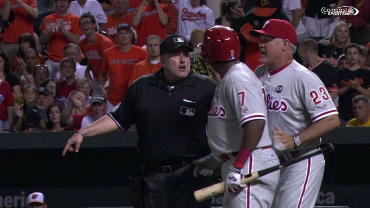 Franco ejected; Phillies can't pick up slack