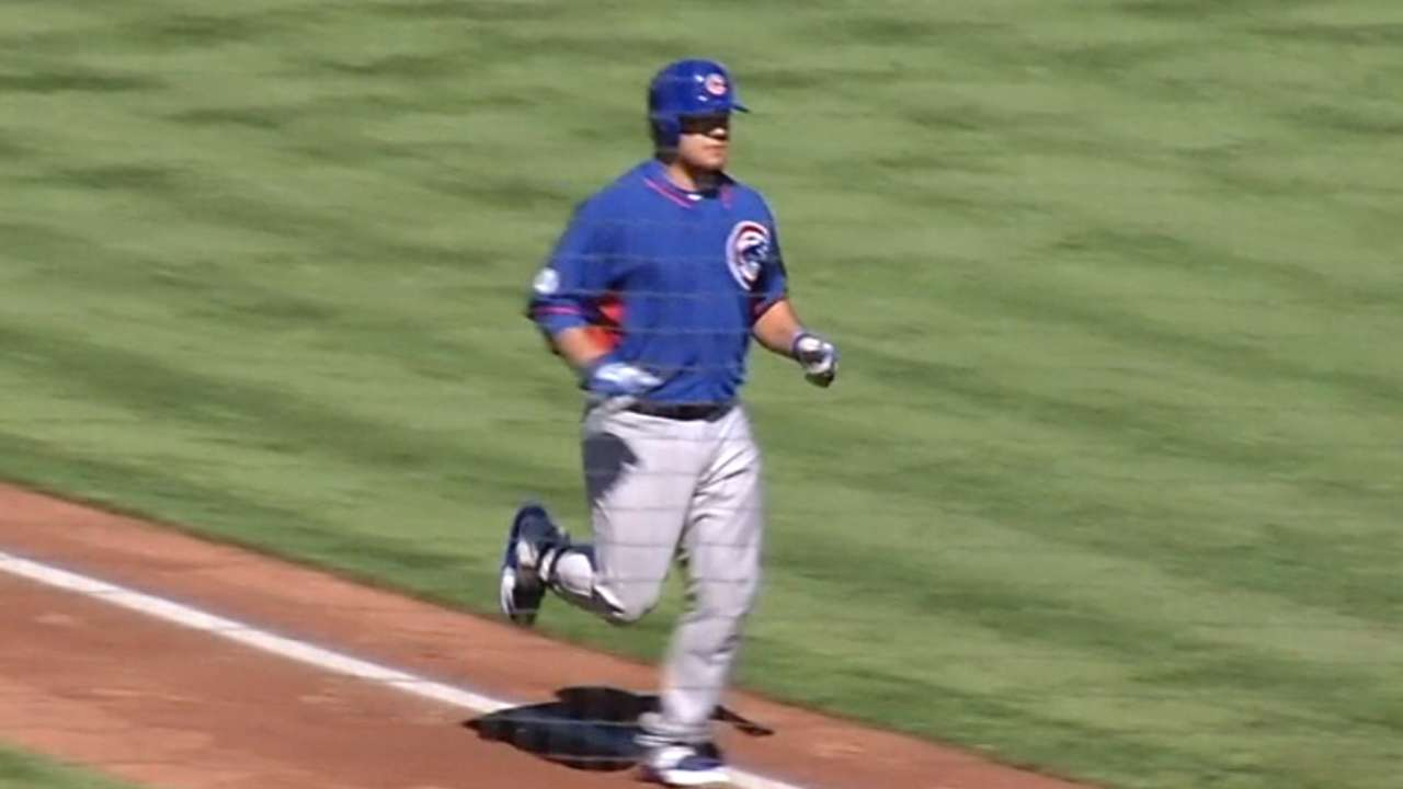 Schwarber joins Cubs, sees first MLB action