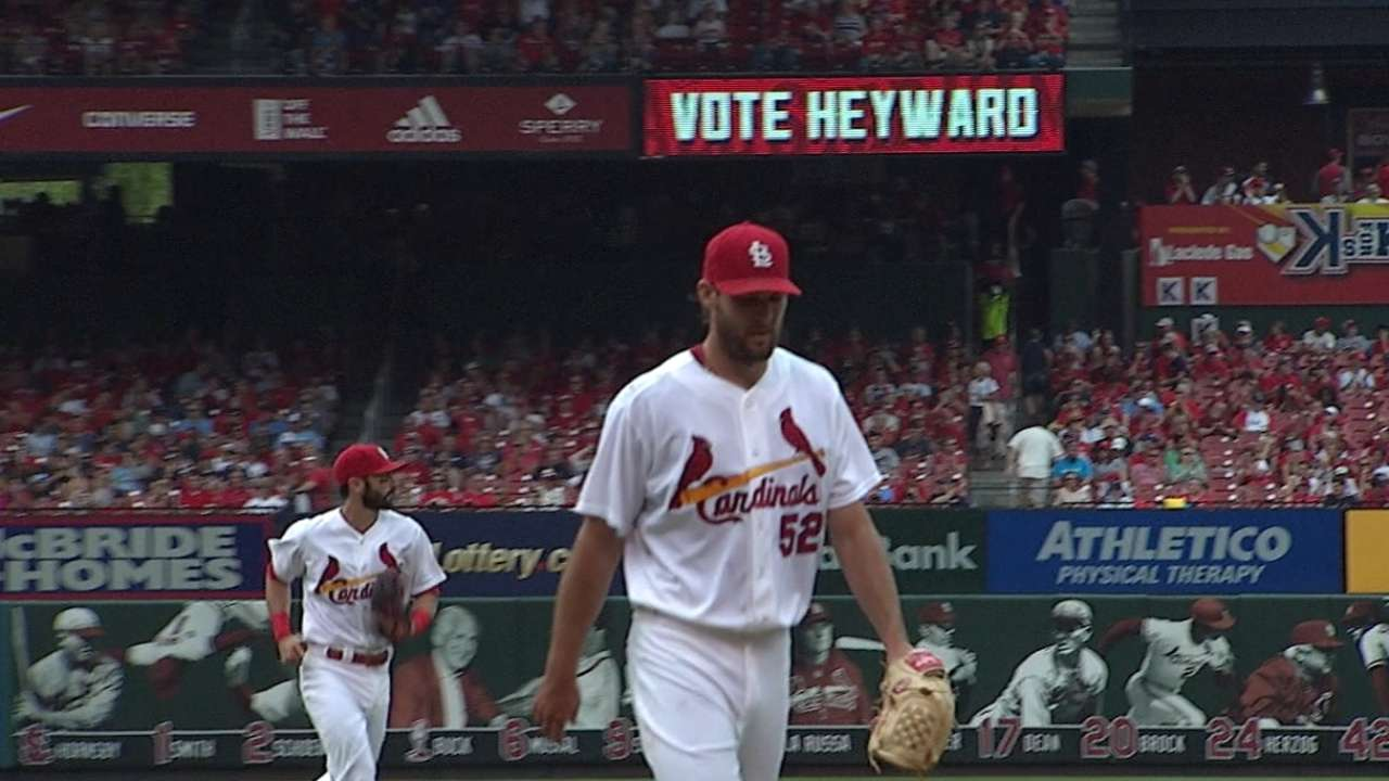 Cards outlast rain, Twins for 5th straight win