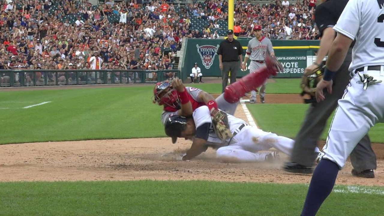 Ausmus: Standards for replay have changed