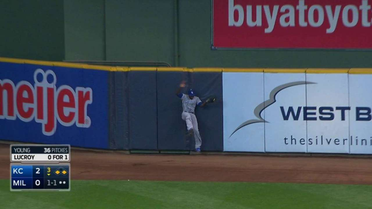Cain makes a leaping catch