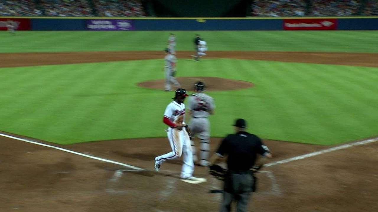 Markakis keys rally as Braves top Red Sox
